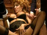 Milly D'Abbraccio gestisce due cazzi grossi