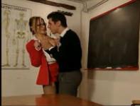 Professoressa italiana ricattata dal studente – porno italiano