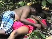 Troie indiane fanno sesso dappertutto